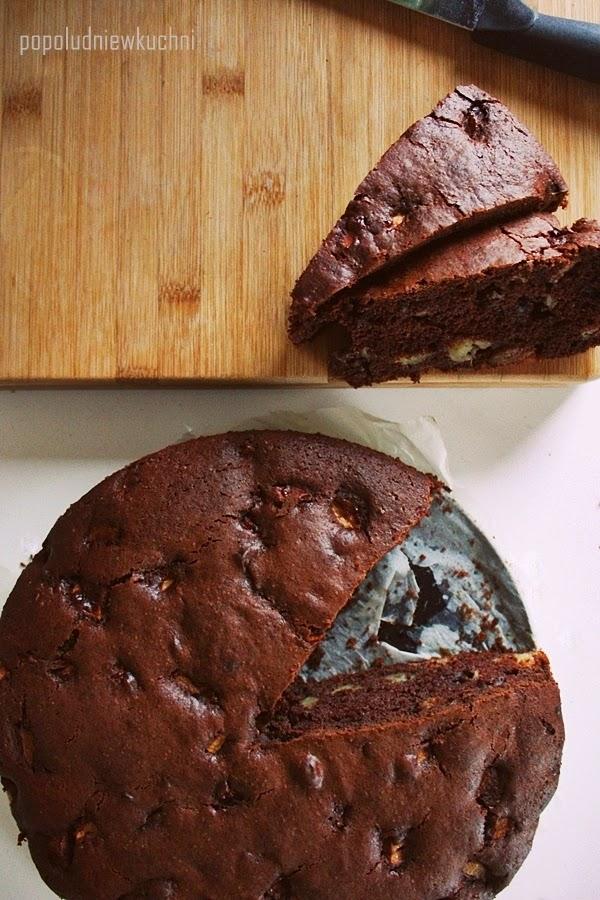 Salceson. Kakaowe ciasto z jabłkami